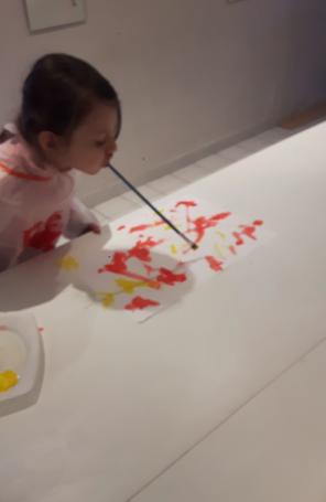 peindre sans les mains
